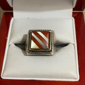 Sterling s mother of pearl and carnilium ring